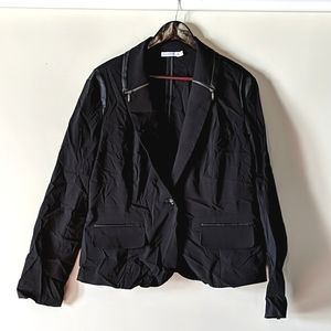 {3 for $40} Black blazer with leather details